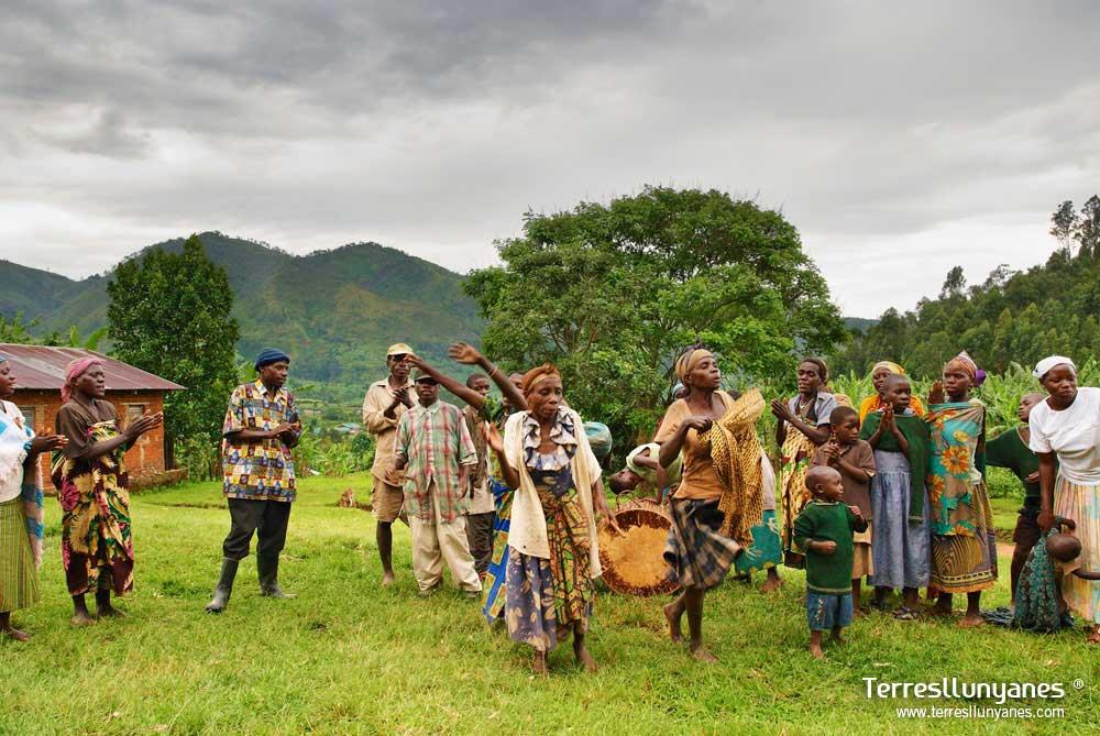 Viajes-uganda-buhoma-57