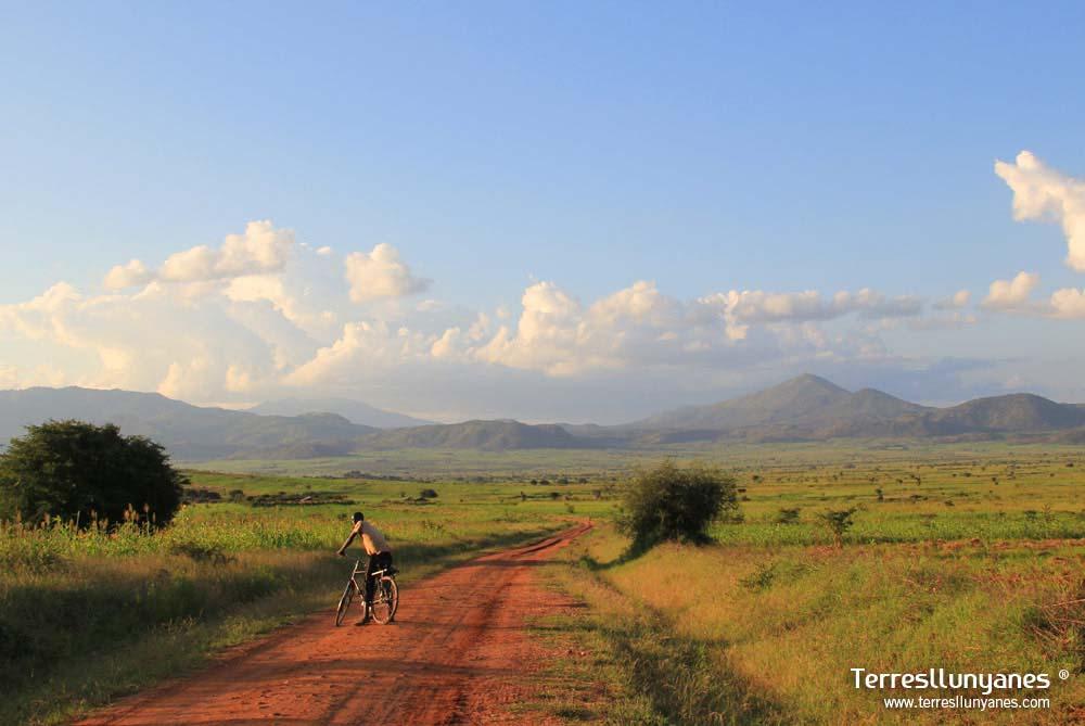 Viajes-uganda-kaabong-36