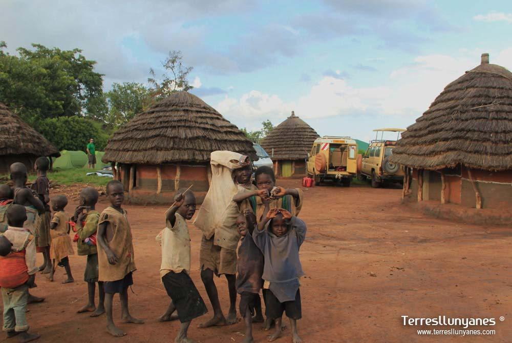 Viajes-uganda-karamojong-39